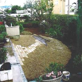 雑草防除シートの施工事例